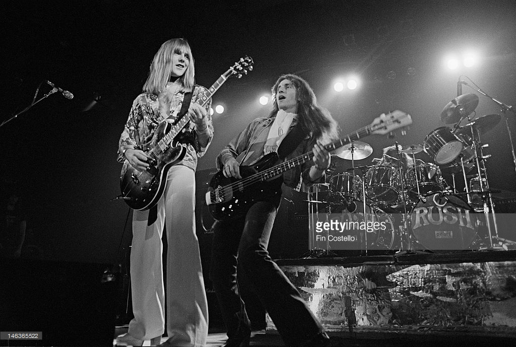 146365522-1st-december-alex-lifeson-and-