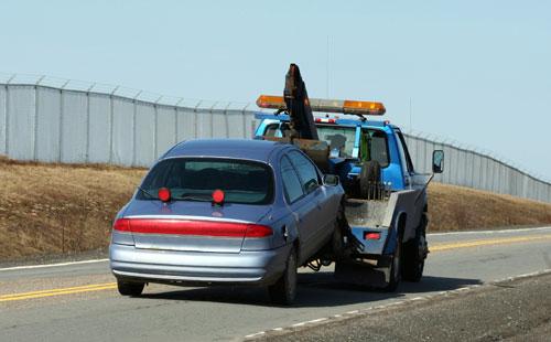 car_being_towed.jpg